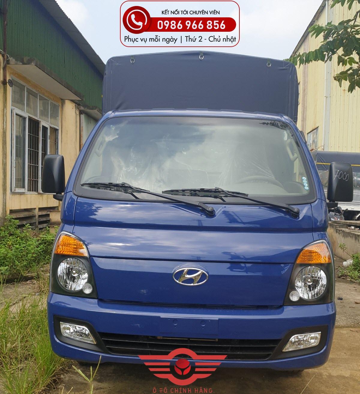 Xe tải Hyundai H150 chở gia cầm gà vịt