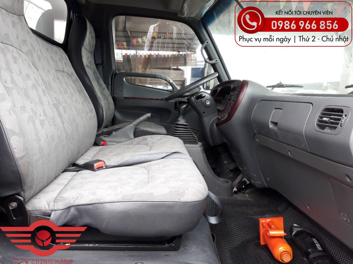 Xe tải Hyundai New Mighty 110SL Chở Lợn 2 Tầng