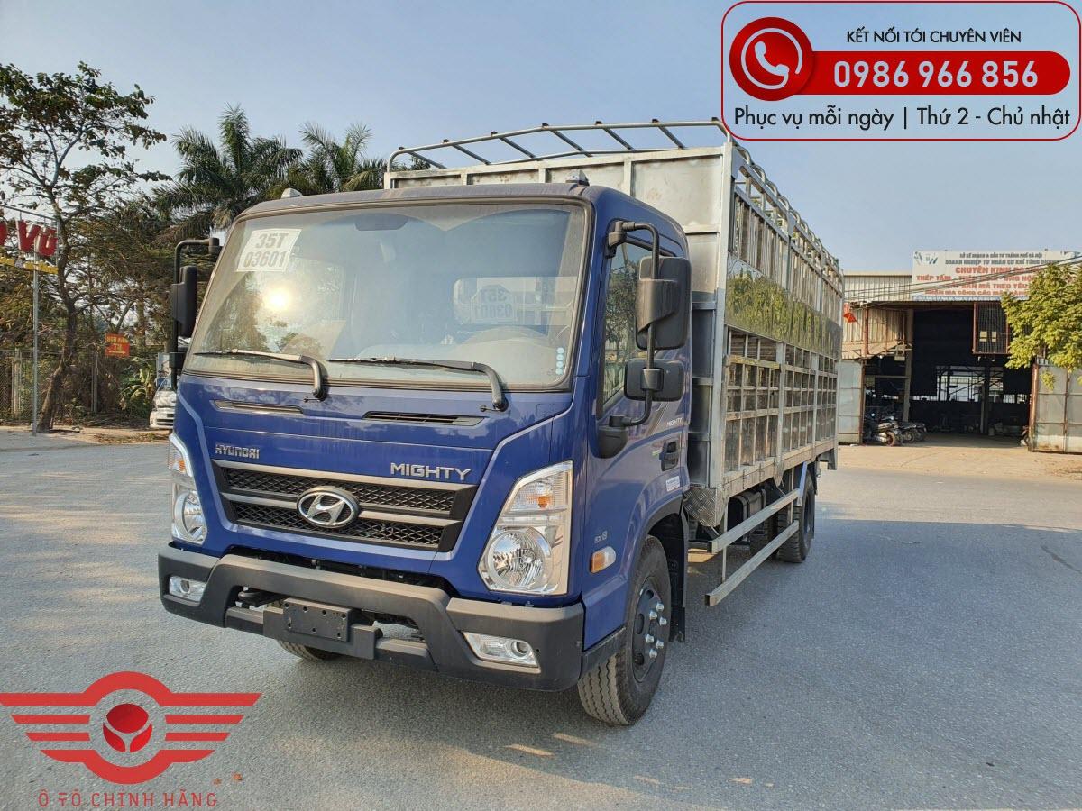 Xe tải Hyundai Mighty EX8L Chở Lợn 2 Tầng có Bửng Nâng 7 Tấn